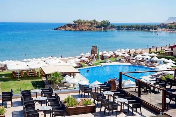 Resort Atlantica Kalliston sul mare di Creta.