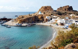 La spiaggia del villaggio di Finiki, Karpathos in Grecia.