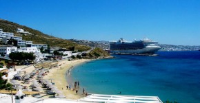 Spiaggia di Megali Ammos a Mykonos, Grecia.