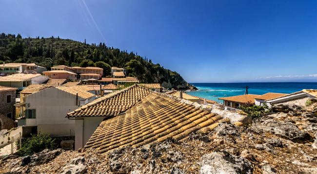 Il villaggio di Agios Nikitas sull'isola greca di Lefkada.