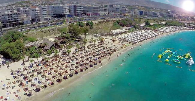 La spiaggia di Alimos a due passi da Atene.