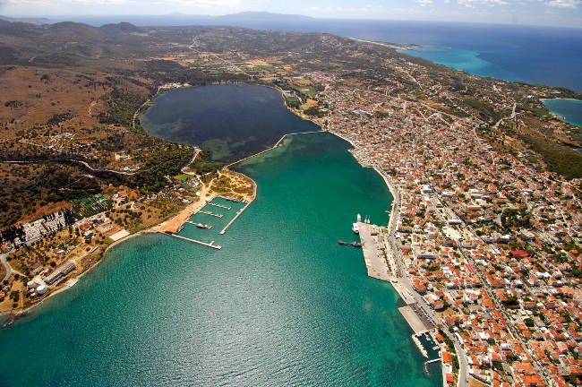 Argostoli, il capoluogo dell'isola di Cefalonia.