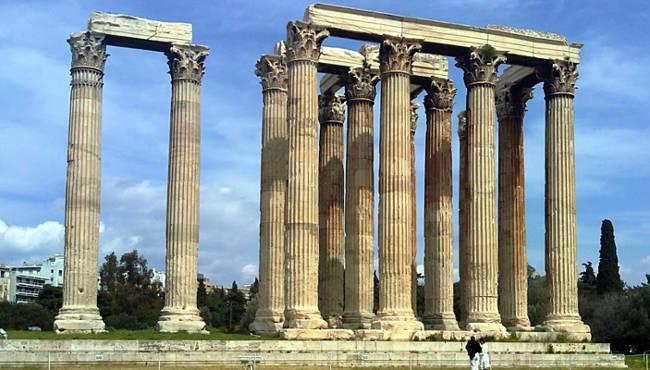 Atene, il grande tempio di Zeus Olimpio.