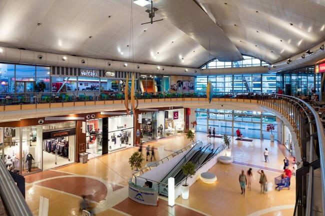 Il centro commerciale Avenue Mall di Atene.