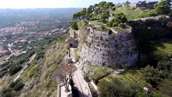 Il Castello di San Giorgio che dominava l'isola di Cefalonia.