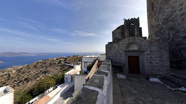 Vista panoramica dalle strade di Chora sull'isola di Patmos.