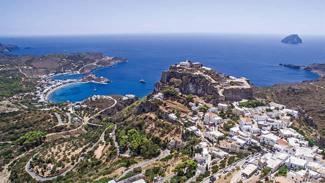 La bellissima isola di Citera ed il capoluogo Chora.