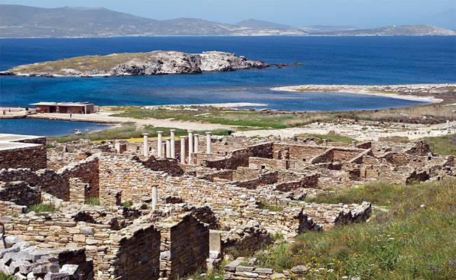 Scavi archeologici e templi sull'isola di Delos, vicino Mykonos.
