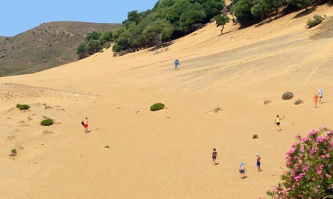 Il deserto di Limnos, le dune sabbiose vicino la spiaggia di Gomati.
