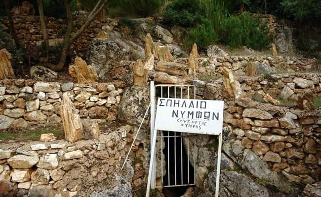 L'ingresso della Grotta delle Ninfe a Itaca.