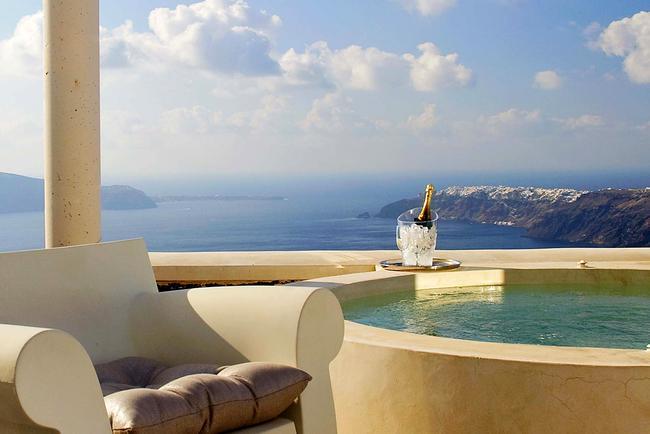 Vista dal Rocabella di Santorini.