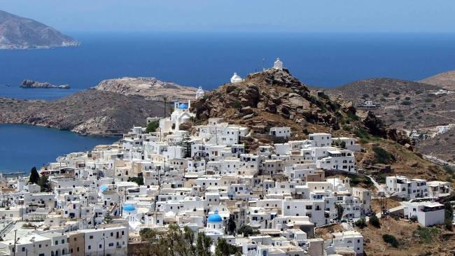 Chora, il capoluogo dell'isola cicladica di Ios.
