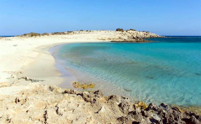 La bellissima spiaggia di Diakoftis a Karpathos.