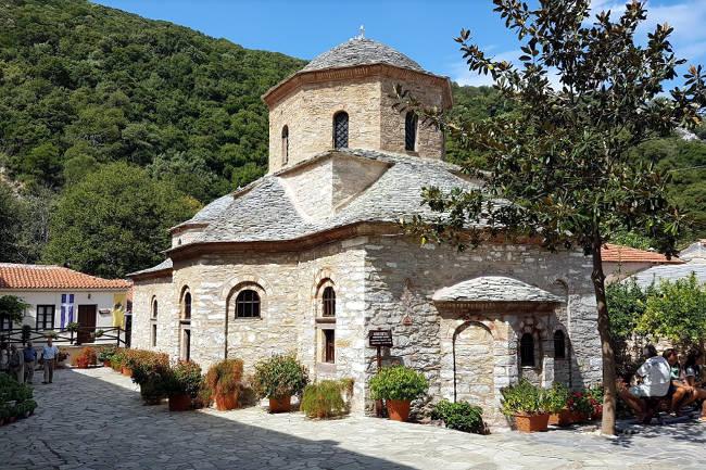 Lo splendido monastero ortodosso di Evangelistria, nel nord di Skiathos.