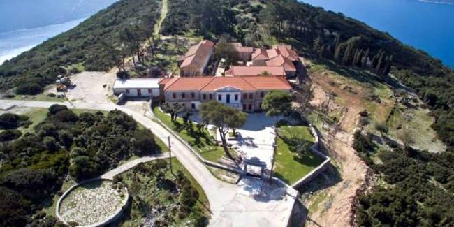Il monastero della Vergine Kathariotissa sorge su un punto panoramico di Itaca.
