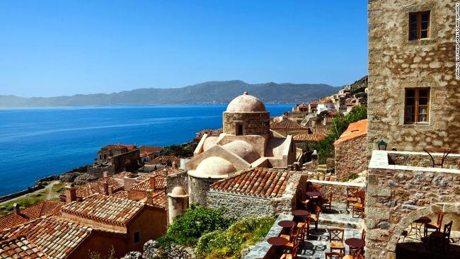 Il villaggio bizantino di Monemvasia.
