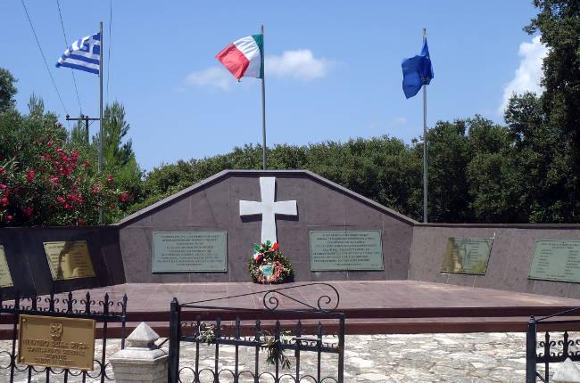 Il memoriale ai Caduti della Divisione Acqui.