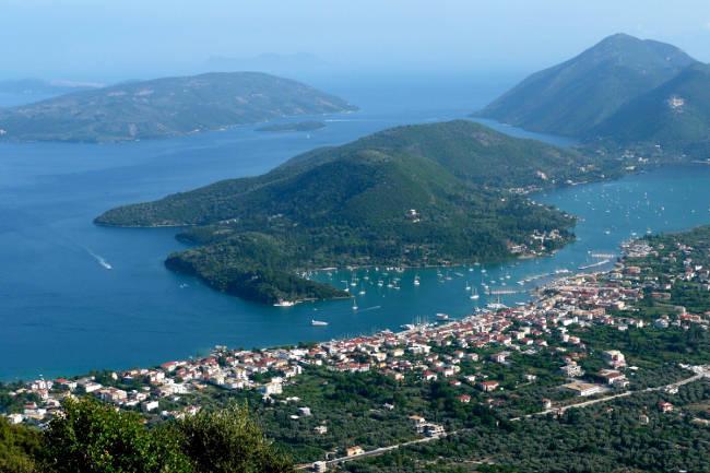 Il villaggio di Nidri sull'isola di Lefkada e la sua fantastica baia.