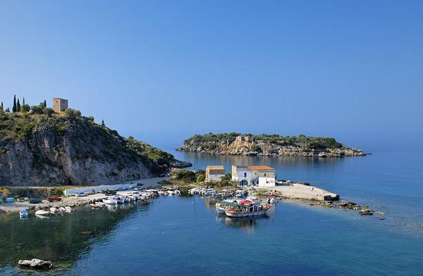 Località costiera del Peloponneso in Grecia.