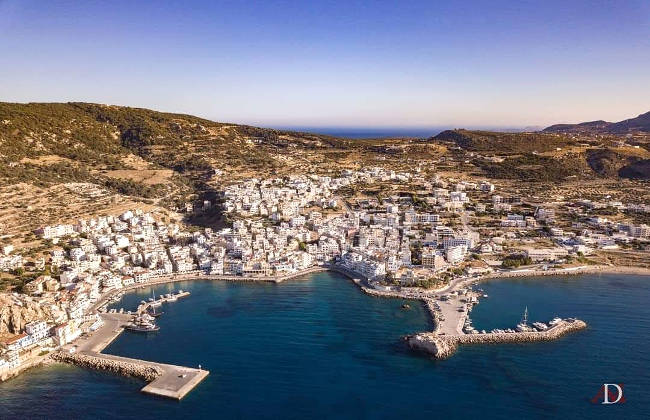 Pigadia, il paese capoluogo di Karpathos.