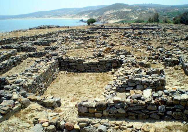Il sito archeologico di Poliochni, la città organizzata più antica d'Europa.