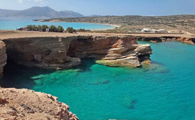 L'impressionante costa di Pori, con bellissime spiagge ed emozionanti scogliere.