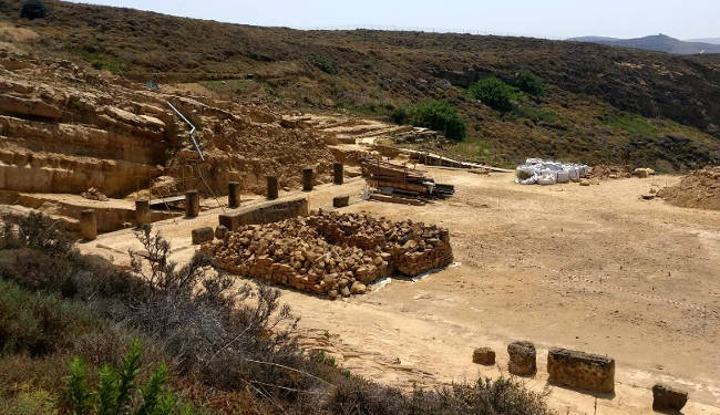 Il Santuario di Kavirio, sul promontorio di fronte l'antica Efestia.