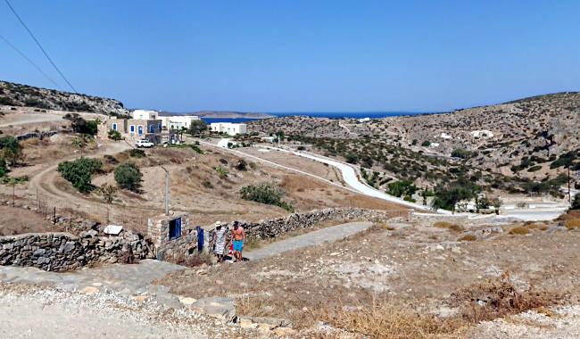 Il panorama dal villaggio di Schinoussa verso il mare.