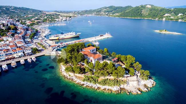 La meravigliosa penisola di Bourtzi sull'isola greca di Skiathos.