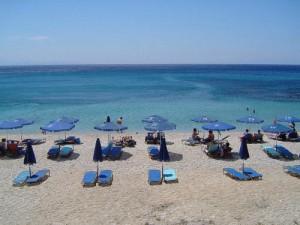 Una bellissima spiaggia a Lesbo.