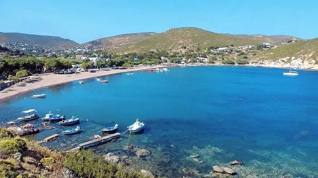 La spiaggia di Kambos, una delle più belle di Patmos.