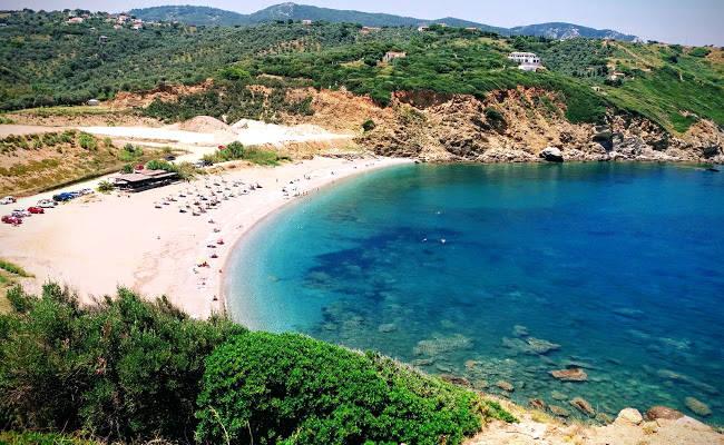 L'incredibile bellezza della spiaggia di Xanemos sull'isola greca di Skiathos.