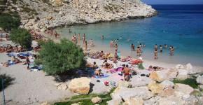 Una bella spiaggia vicino Atene.