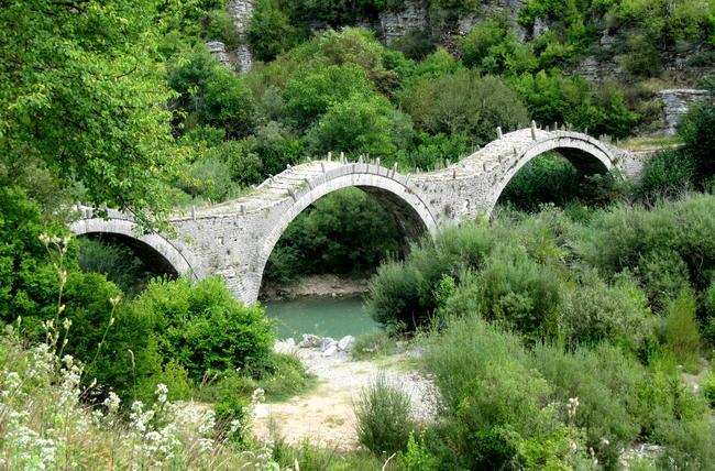 Zagoria, ponte di Kalogeriko a Kipi.
