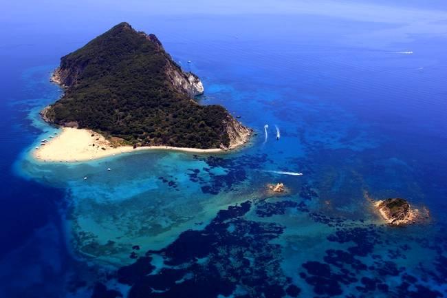 La meravigliosa isoletta di Marathonissi, vicino Zante.